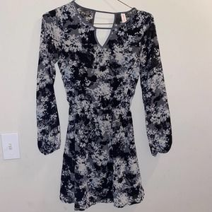 Xhilaration Floral Black & White Casual Dress